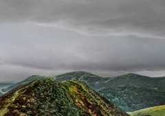 long-mynd-zoomed-out-greyer_18