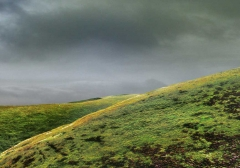 long-mynd-zoomed-out-greyer_22