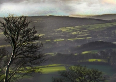 view-over-ludlow-from-titterstone-clee-darker-lovers_25