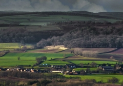 view-over-ludlow-from-titterstone-clee-darker-lovers_35