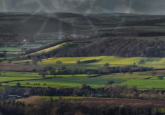 view-over-ludlow-from-titterstone-clee-dragonr-lovers_34