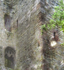 ludlow-castle-towers_47