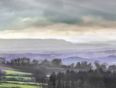 clee-hill-man-grayer-sky-in-diff-skies_31