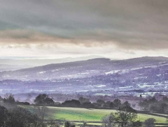 clee-hill-man-grayer-sky-in-diff-skies_32