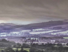 clee-hill-man-grayer-sky-in-diff-skies_33