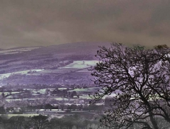 clee-hill-man-grayer-sky-in-diff-skies_34