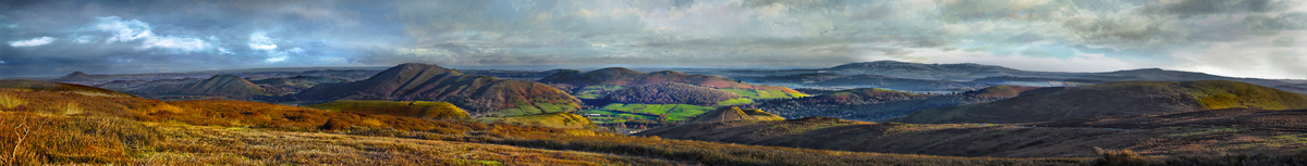 Long Mynd view over to The Wrekin and Tittersone 8.5 foot long
